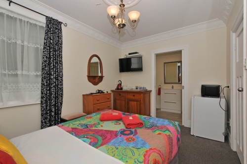Superior Room Double Bed with En suite